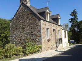 Holiday home Rue des Sabotiers - 2, Loc-Envel (рядом с городом Belle-Isle-en-Terre)