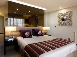 Cardal Hotel