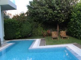 Glyfada Luxury, Афины (рядом с городом Soúrmena)
