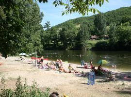 Village Camping Les Vignes, Puy-l'Évêque (рядом с городом Grézels)