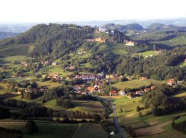 Schloss Kapfenstein, Kapfenstein (Theresienberg yakınında)