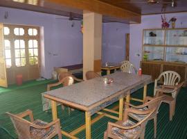 Yourdum Guest House, Hundar (рядом с городом Deskit)