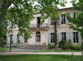 Château Juvenal, Saint-Hippolyte-le-Graveyron (рядом с городом La Roque-Alric)