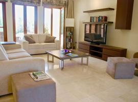 """Imagine Renting this Villa on Aphrodite Hills Resort″Acheon, Kouklia (Pissouri yakınında)"