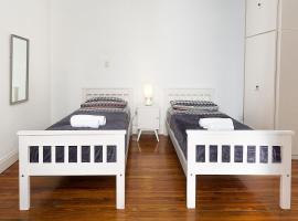 LOPEZ Hostel & Suites