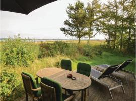 Three-Bedroom Holiday Home in Roslev