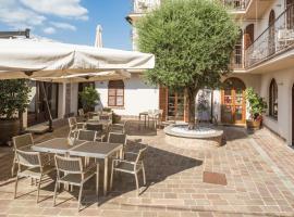 Le Torri Hotel, Castiglione Falletto