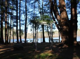 Tuxbury Pond Camping Resort Tiny House Emerson, South Hampton