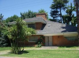 Casa Miraflores Country Club, Grand Bourg (Tortuguitas yakınında)