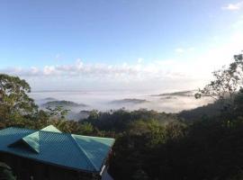 Falcon Hill Lodge, Blancaneau