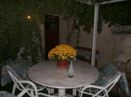Athens Glyfada Studio, Афины (рядом с городом Soúrmena)