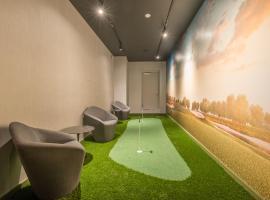 Skyline Luxury Home Suites at Newport II