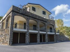 Il Melograno, Villanova d'Albenga (Garlenda yakınında)