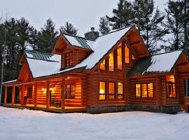 Big Bear Cabin, Harrison (in de buurt van Bridgton)