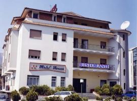 Motel Forum, Polla (Salvitelle yakınında)