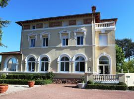 Château Blanchard, Chazelles-sur-Lyon (рядом с городом Лез-Алле)