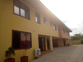 Executive 5 Bedroom House At East Legon, Аккра (рядом с городом Ashalebotwe)