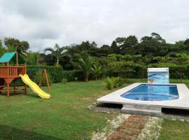Beach House Paradise, Esterillos Este (Gloria yakınında)