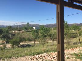 Cabañas Cosquin para 4 personas, Cosquín (Casa Grande yakınında)