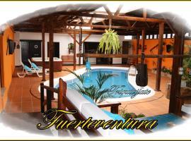Villa Spa Las Tinajas, Triquivijate (La Ampuyenta yakınında)