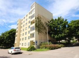 Single room in a four-room apartment, excellent location close to Leppävaara. (ID 1398)
