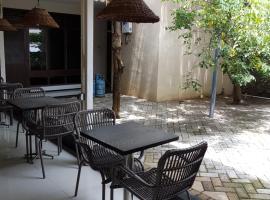 Krowi Inn 1 Bintang Surabaya 04 Km Dari Kebun Binatang