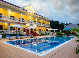 Riviera Hotel & Resort Kep, Kep