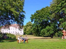 Schloss Zinzow, Zinzow (Wegezin yakınında)