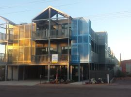 Onslow Apartments, Onslow