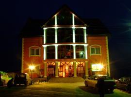 Hotel Royal, Залэу