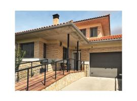 Holiday Home in Castellanos de Morisc., Castellanos de Moriscos (рядом с городом La Vellés)