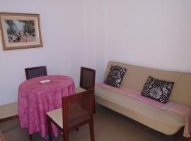 Vivienda con balcón a la calle principal, Навахас (рядом с городом Vall de Almonacid)