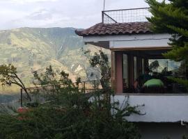 Luna Bonsai, Pelileo (Salasaca yakınında)