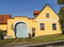 Five-Bedroom Holiday Home in Busovice, Bušovice (Horomyslice yakınında)