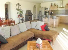 Studio Holiday Home in Corneilhan, Corneilhan