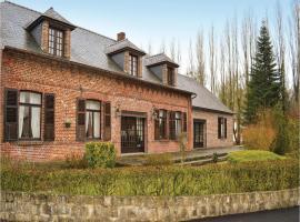 Four-Bedroom Holiday Home in La Neuville L. Dorengt, La Neuville-lès-Dorengt (рядом с городом Vadencourt-et-Bohéries)