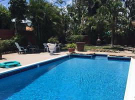 Beatufil Tropical Pool Oasis Home, Lake Worth