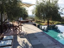 Villa contemporaine 6 personnes avec piscine, Egina (miestas)