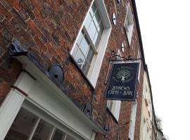Ty Glyndwr Bunkhouse, Bar and cafe, Caernarfon