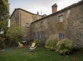 Villa Le Roselle, Pierle