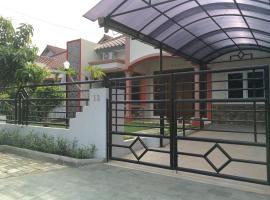 Rumah Fabio Yasmin, Богор (рядом с городом Bubulak 3)