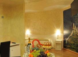 Irocchi Hotel, Tito
