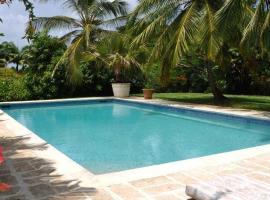 Villa Evergreen, Saint James (Paynes Bay yakınında)