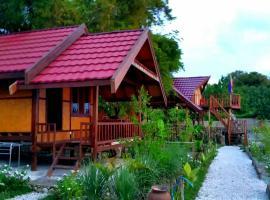 Maryan Moyo Bungalows Bar & Resto, Moyo Island (рядом с городом Prajak)