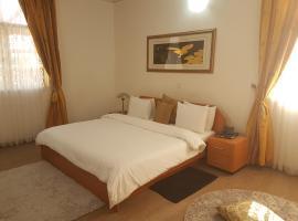 Novel Suites & Resorts, Jos