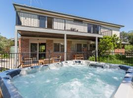 Ocean Breeze Retreat - with spa and space, Saint Andrews Beach