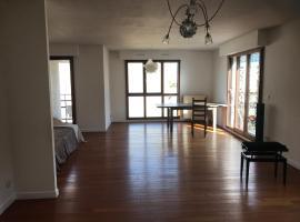 Luxury business apartment, Rueil-Malmaison (Near Chatou)
