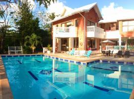 Casa de las Flores Tropical Lodge