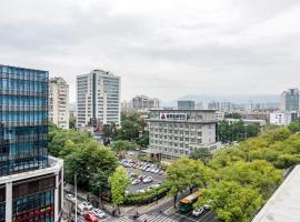 Dongjiekou Subway Station/ Sanfangqixiang Two Bedroom Apartment