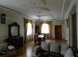 Villa Luxury, Bakü (Hökmǝli yakınında)